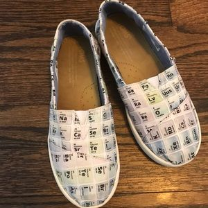 Toms kids size 2 periodic table flats